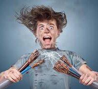 Giải mã ngủ mộng thấy bị điện giật ?