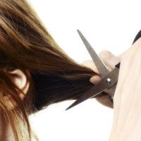 Mơ thấy cắt tóc đánh con gì? Điềm báo lành hay dữ?