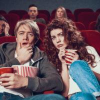 Nằm mơ thấy xem phim điềm báo gì, lành hay dữ? con số liên quan